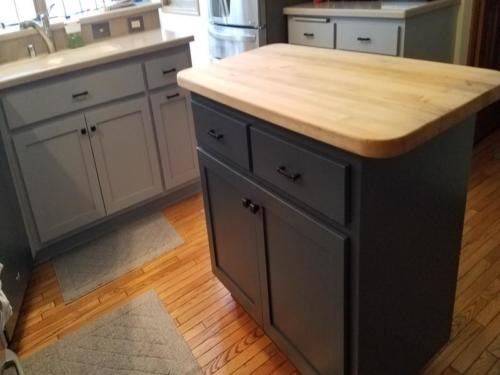 New Berlin Cabinet Painting and Refacing c1e